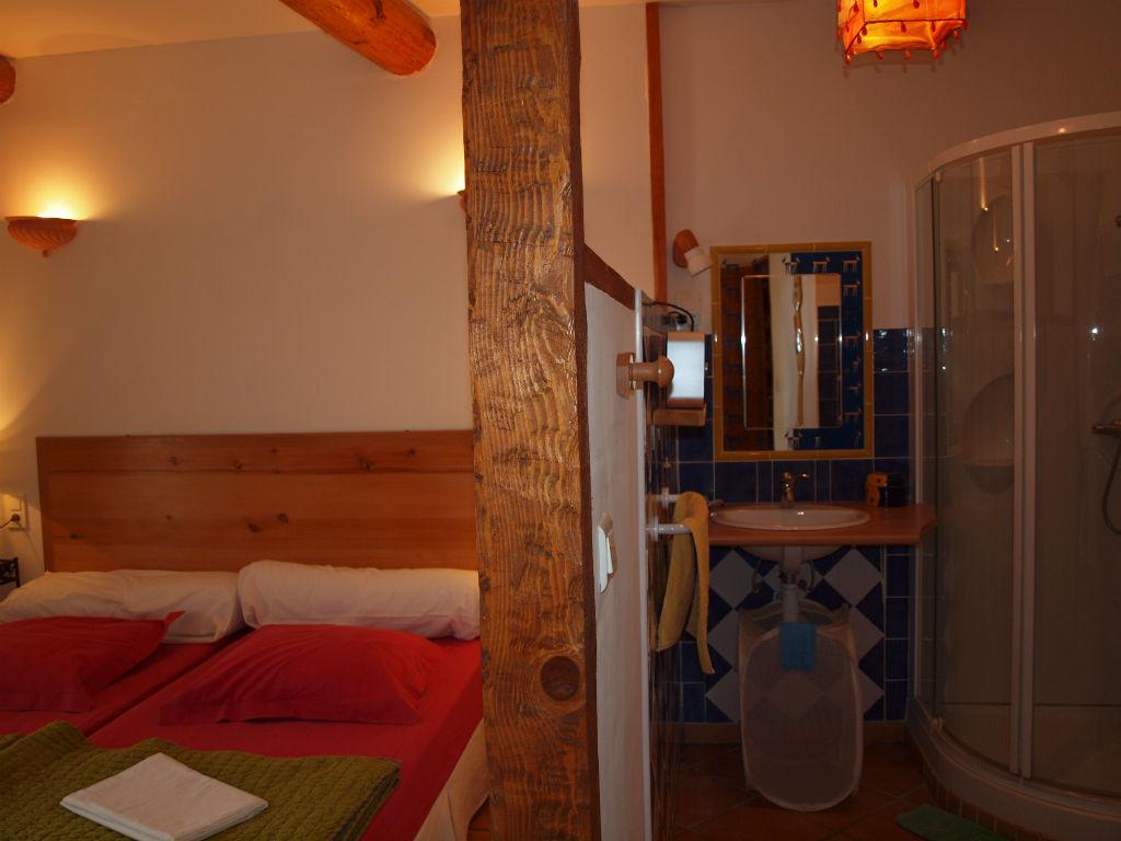 Salle eau de la chambre aux 2 lits